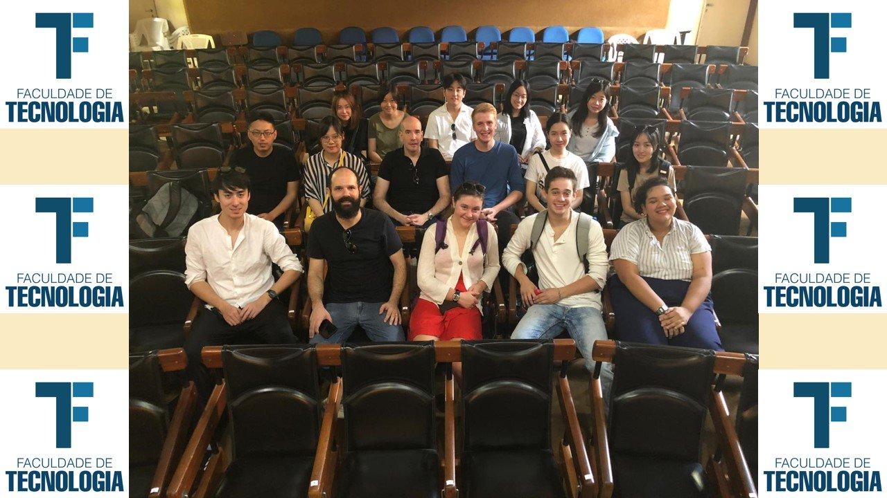 Núcleo Arquitetura Moderna na Amazônia (NAMA) recebe alunos e professores para uma visita técnica em Manaus